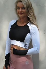 AR 1979 - LONG SLEEVE CROP TOP