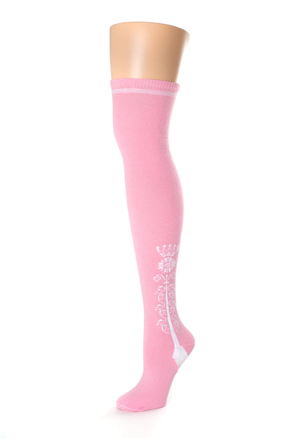 Delp Stockings Clocked Cotton, Crown Style. Pink with White ankle clocking design side view.