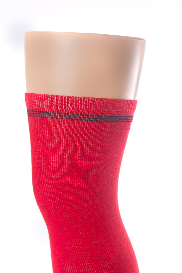 Delp Stockings Clocked Cotton, Crown Style. Red with Black ankle clocking design, top of stocking detail view.