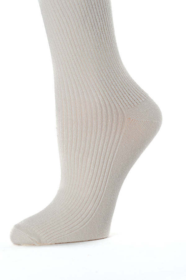 Delp Stockings Derbytight Cotton Stockings. Cream color side detail view.