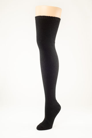 Delp Stockings, Seamed Heavyweight Cotton Stockings. Black color side view.