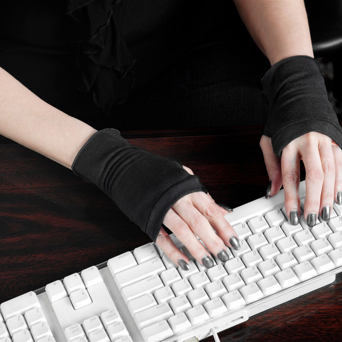 fingerless gloves - perfect way to keep hands warm at work!