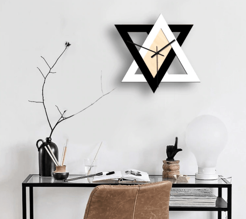 Horloge triangle nordique