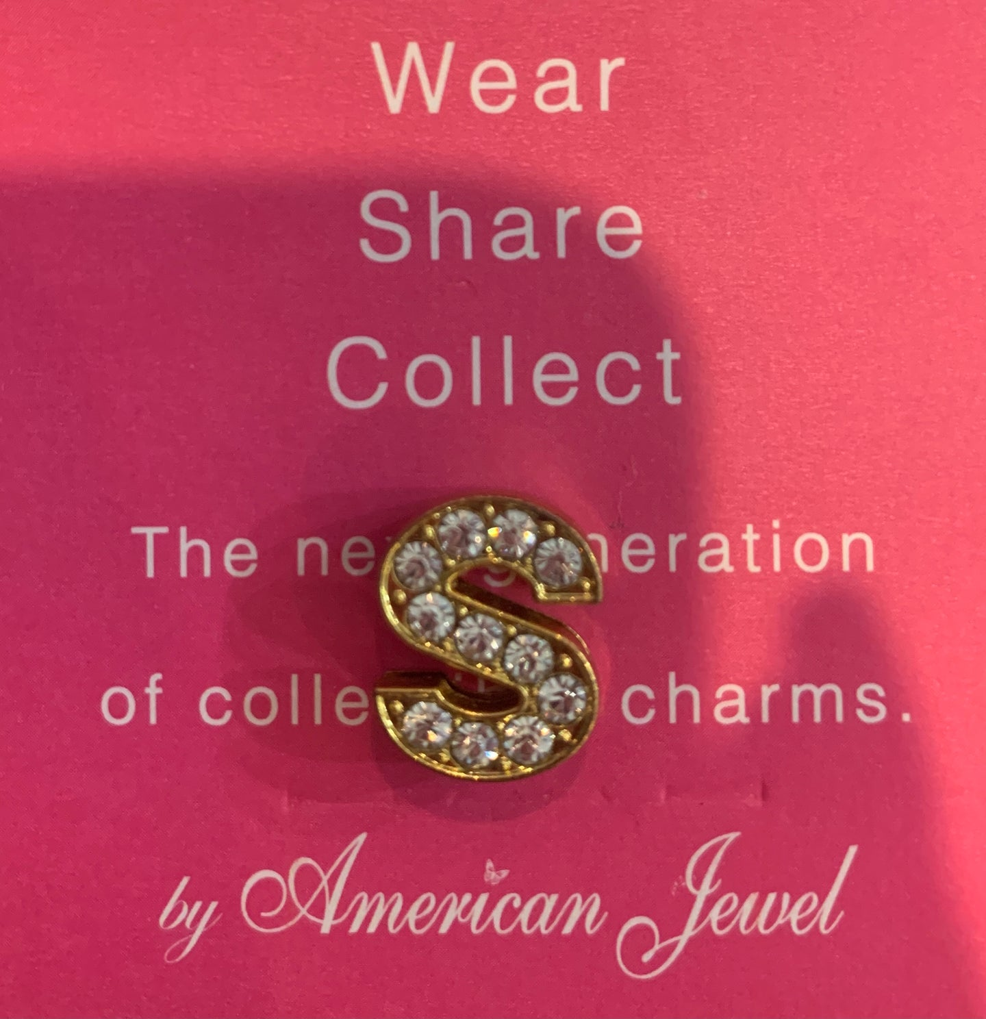 Jewels - Classic - Letter ''S'' (Gold with Diamonds)