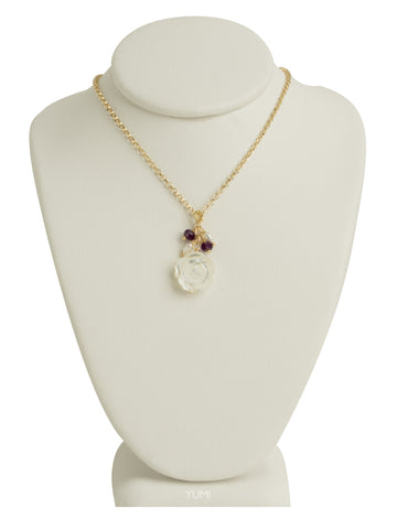 Pretty Pearl Rose Necklace