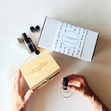 Load image into Gallery viewer, natural perfumery kit 2, Sonia Washburn