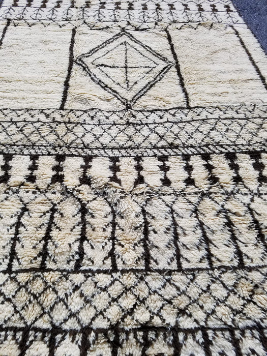 9ft9 by 6ft6 vintage beni Ourain carpet