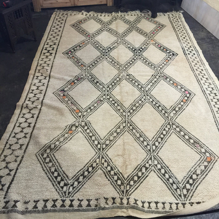 Vintage 9ft by 6ft5 beni ourain carpet