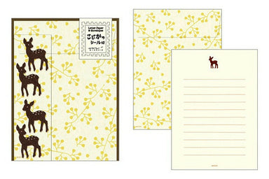 Midori Deer Letter Set with Stickers- 4 sheets of paper measuring approximately 4 by 5 1/2 inches, along with four envelopes and deer stickers for sealing.