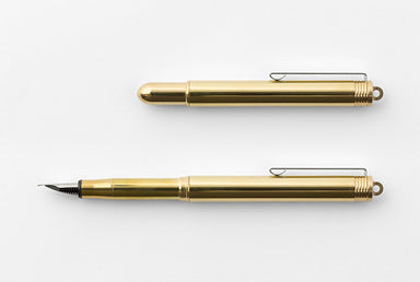 The Traveler's Company Brass Fountain Pen has received a couple of changes this year- the clip is now a matte finish instead of a bright, mirror finish.