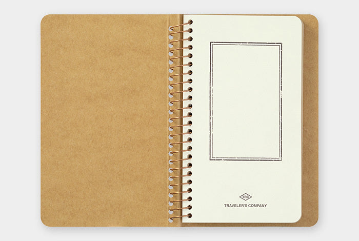 Traveler's Company Kraft Paper A6 Slim notebookhas 80 sheets (160 pages) of fine DW Kraft paper.