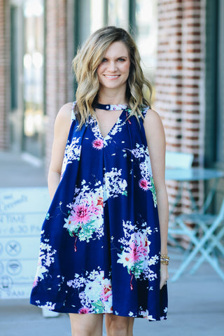 floral print pocket dress mom style effortless spring break style chic confident beautiful