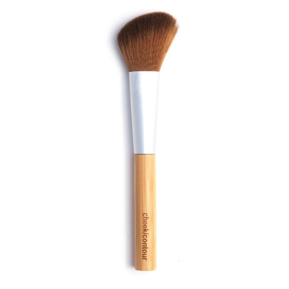 elate cosmetics sustainable, vegan and cruelty-free bamboo cheek/contour brush for clean beauty makeup routine. Used for highlighter, illuminator, blush and contour,