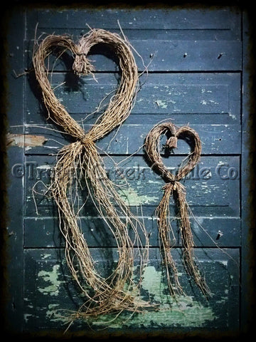Trailing Grapevine Hearts