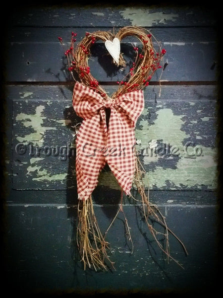 Small Valentines Decorated Grapeving Trailing Heart