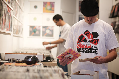 "KON & AMIR  ""MUSIC IS THE MESSAGE"" MIX CD & T-SHIRT"