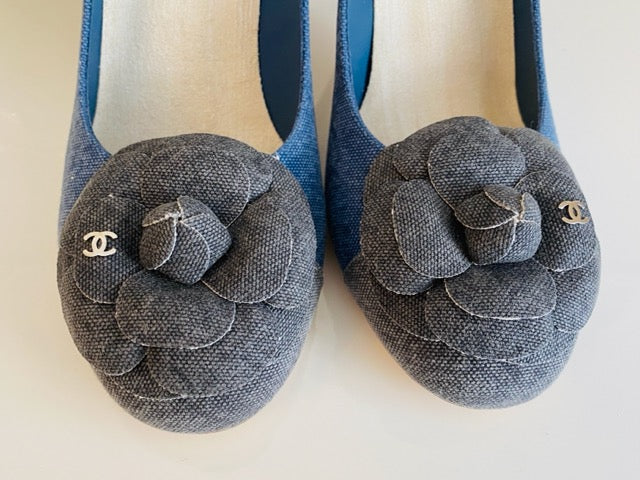 NEW Chanel Escarpins 90 Flower Denim Blue Block Heel Pumps 39