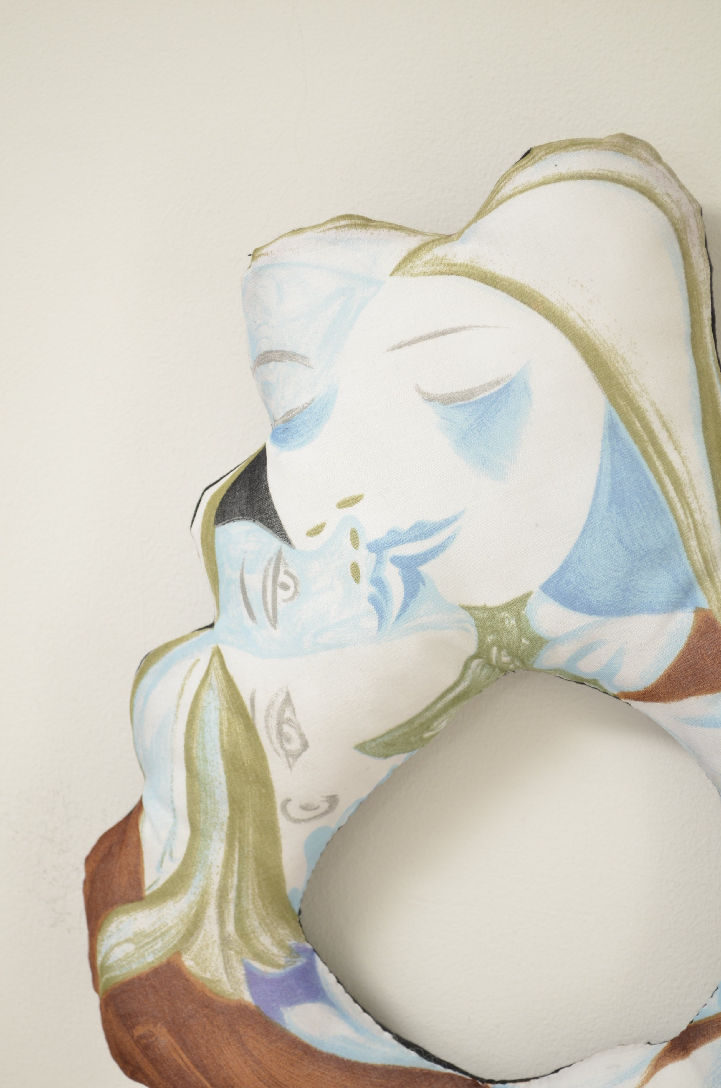 SCARF CUSHION FLAME/PICASSO