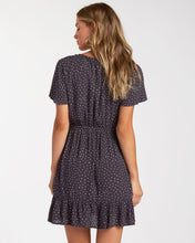 Load image into Gallery viewer, Day Trippin Dress