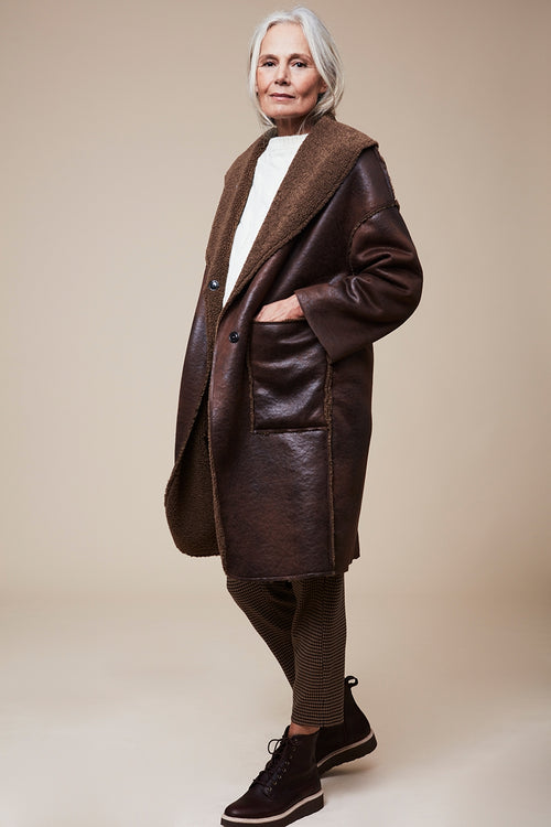 The Reversible Faux Shearling Coat - Brown