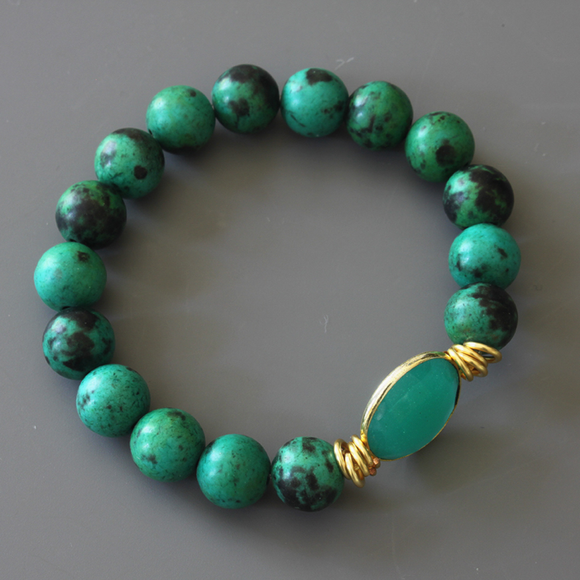 Green Turquoise and Onyx Beaded Bracelet