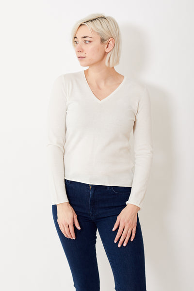 Allude Lightweight V Neck Sweater