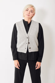 Allude Ribbed V Neck Sweater Vest