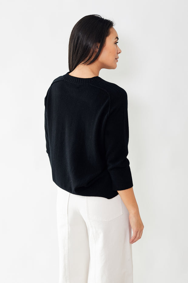 Allude 3/4 Sleeve Crewneck Sweater