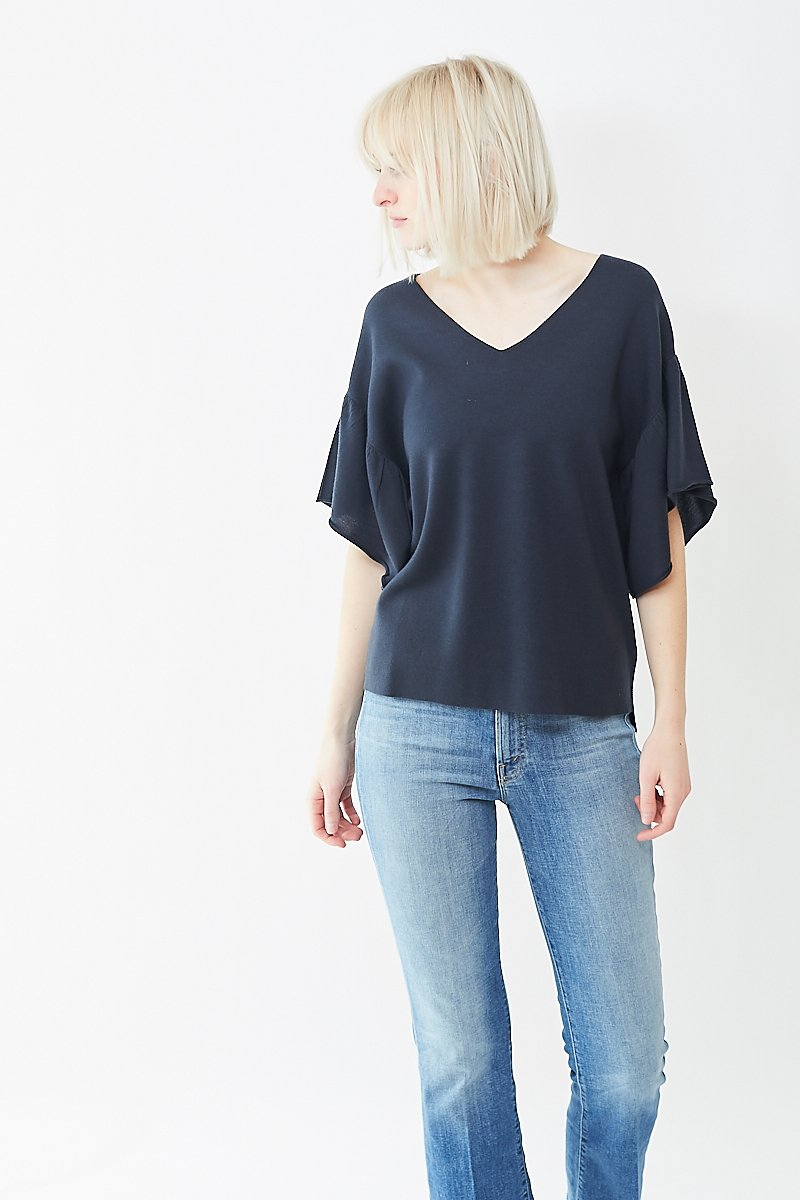 Allude Ruffle Sleeve Sweater
