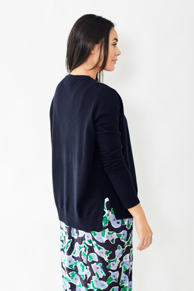 Allude V Neck Loose Cardigan