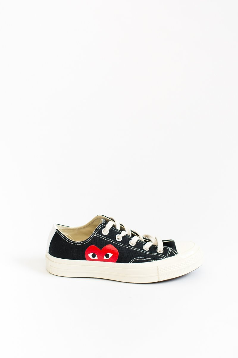 dc3ac34b5ae24 Comme des Garcons PLAY Converse Low-Top Chuck Taylors 5 dbe1ce8a-e77c-4679-9a63-2b6599bf0ddf.jpg v 1535572318