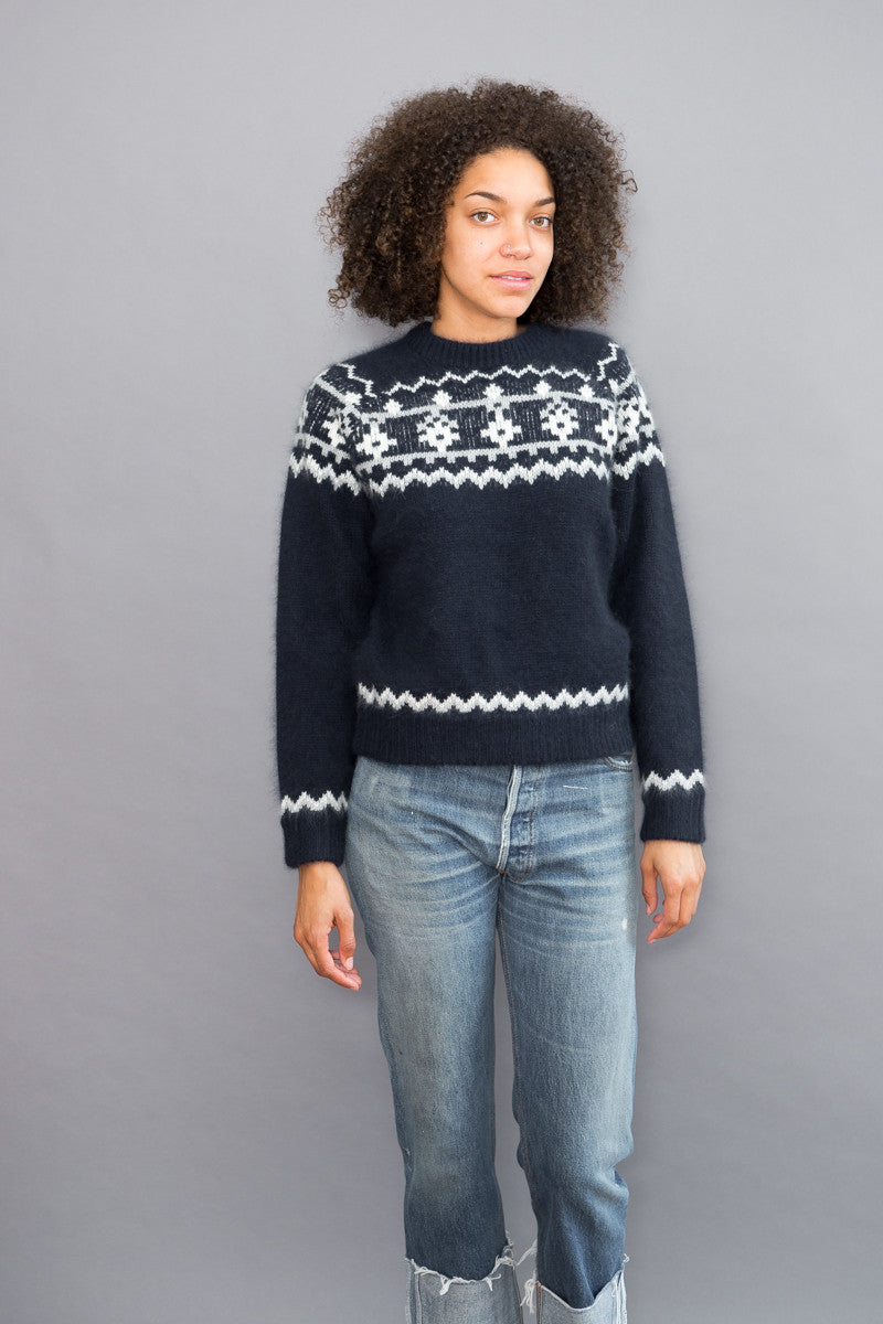 DemyLee Sweater With Graphic - grethen house