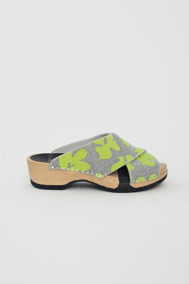 Magnafied Frida Clog Sandals