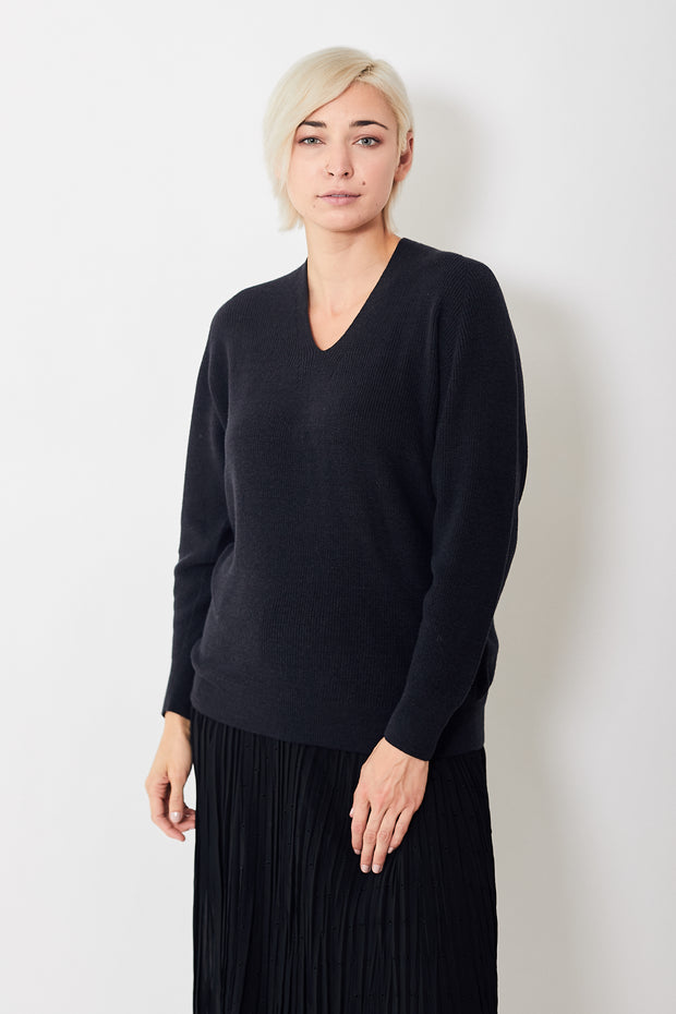 Pas de Calais Long Soft V Neck Pullover