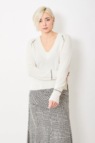 Veronica Beard Preta V Neck Cashmere Sweater