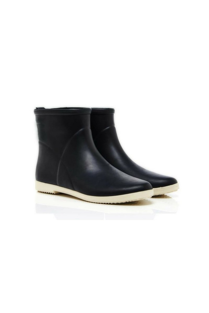 Alice + Whittles Minimalist Ankle Rubber Boot