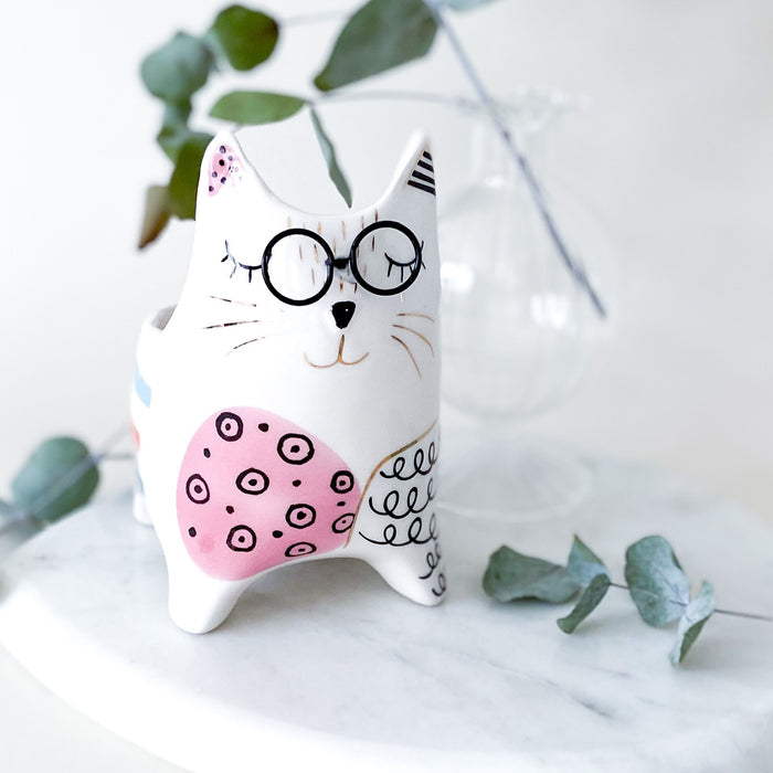 Claudia Cat Planter
