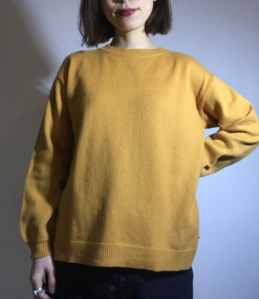 Puffy sleeves sweater