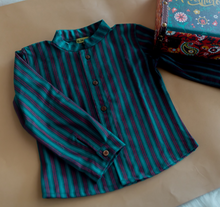 Load image into Gallery viewer, Klingaru Shirt - Green Stripes Cotswool Full Sleeves