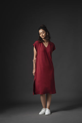 Is sustainable fashion costly? Where can one buy eco-friendly apparel?