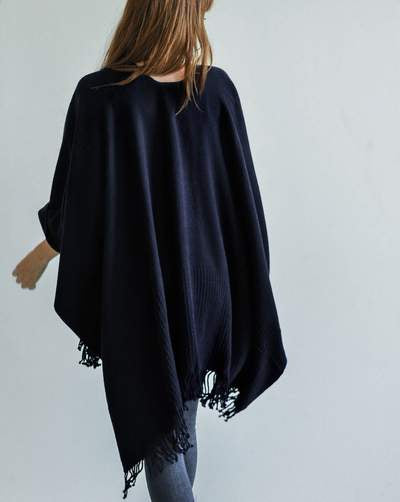 The Classic Travel Wrap Navy