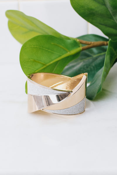 Wide Metal & Glitter Crossover Middle Bangle