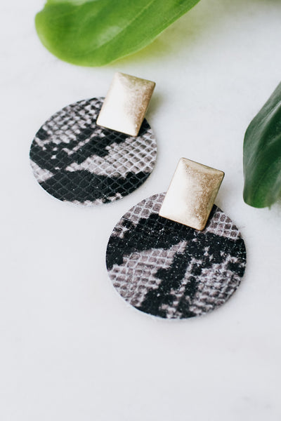 Metal Top Snake Fabric Circle Earring