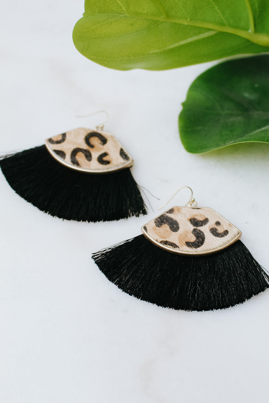 Short Hair Leopard Shape & Fan Earring