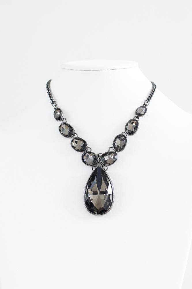 Oval & Teardrop Stone Necklace