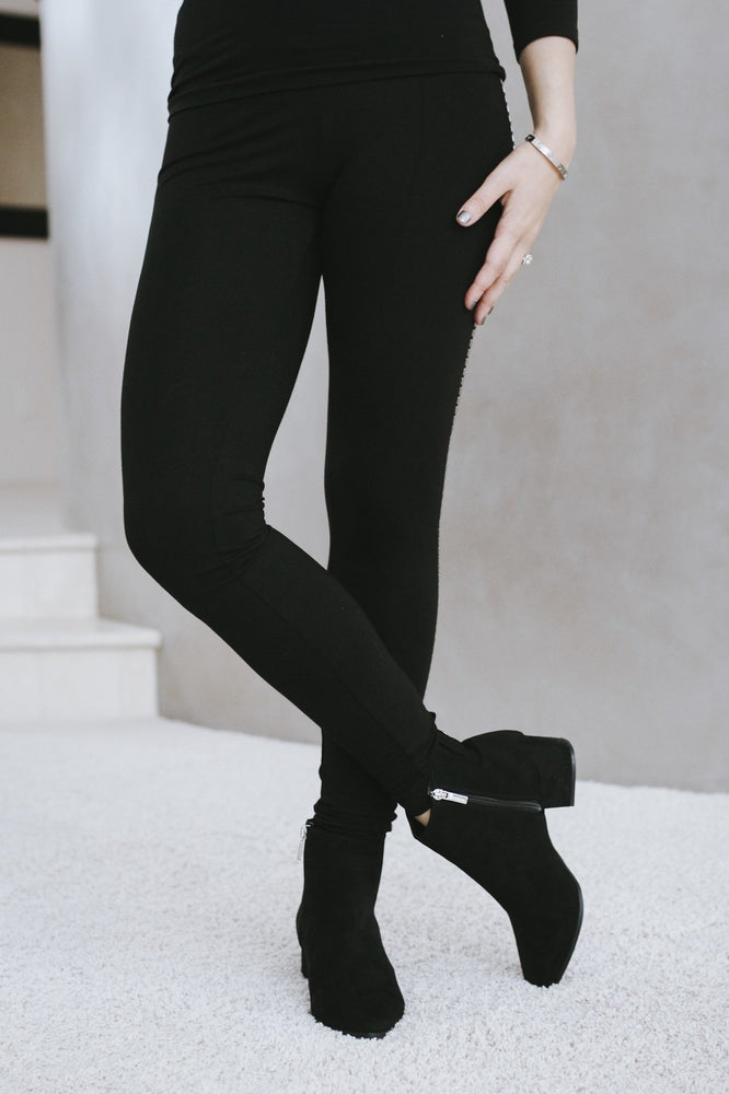 Stud Side Legging