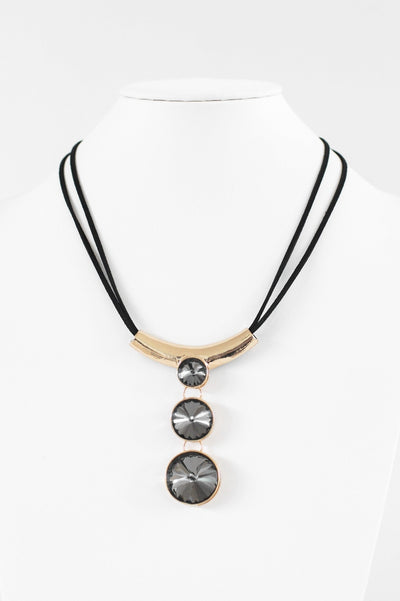 Three Circle Stone Scoop Necklace