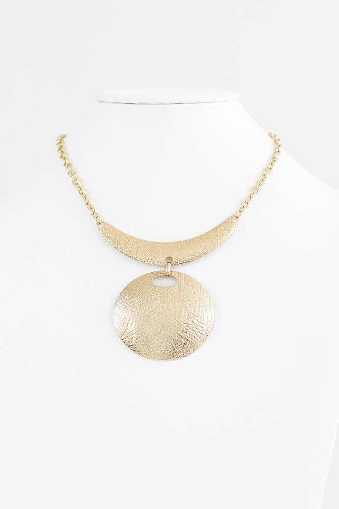 Lined Scoop Bar & Circle Necklace