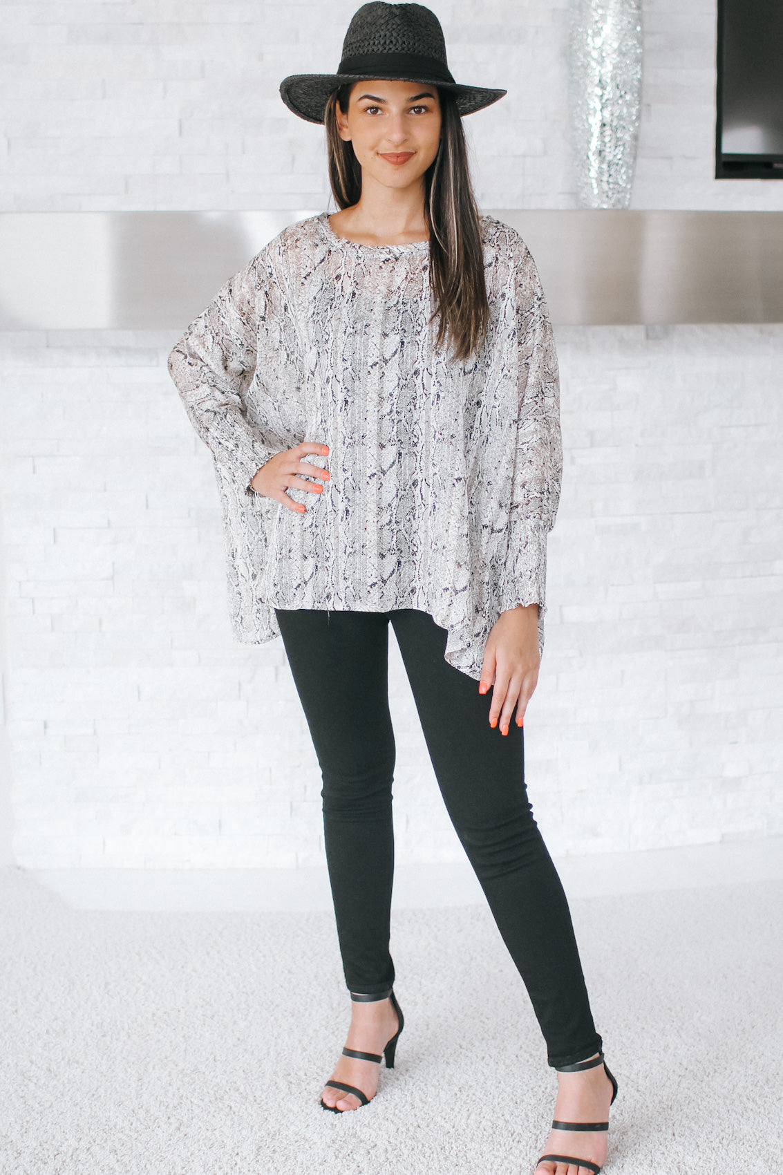 Five Textured & Stone Middle Necklace - Glitz & Ears