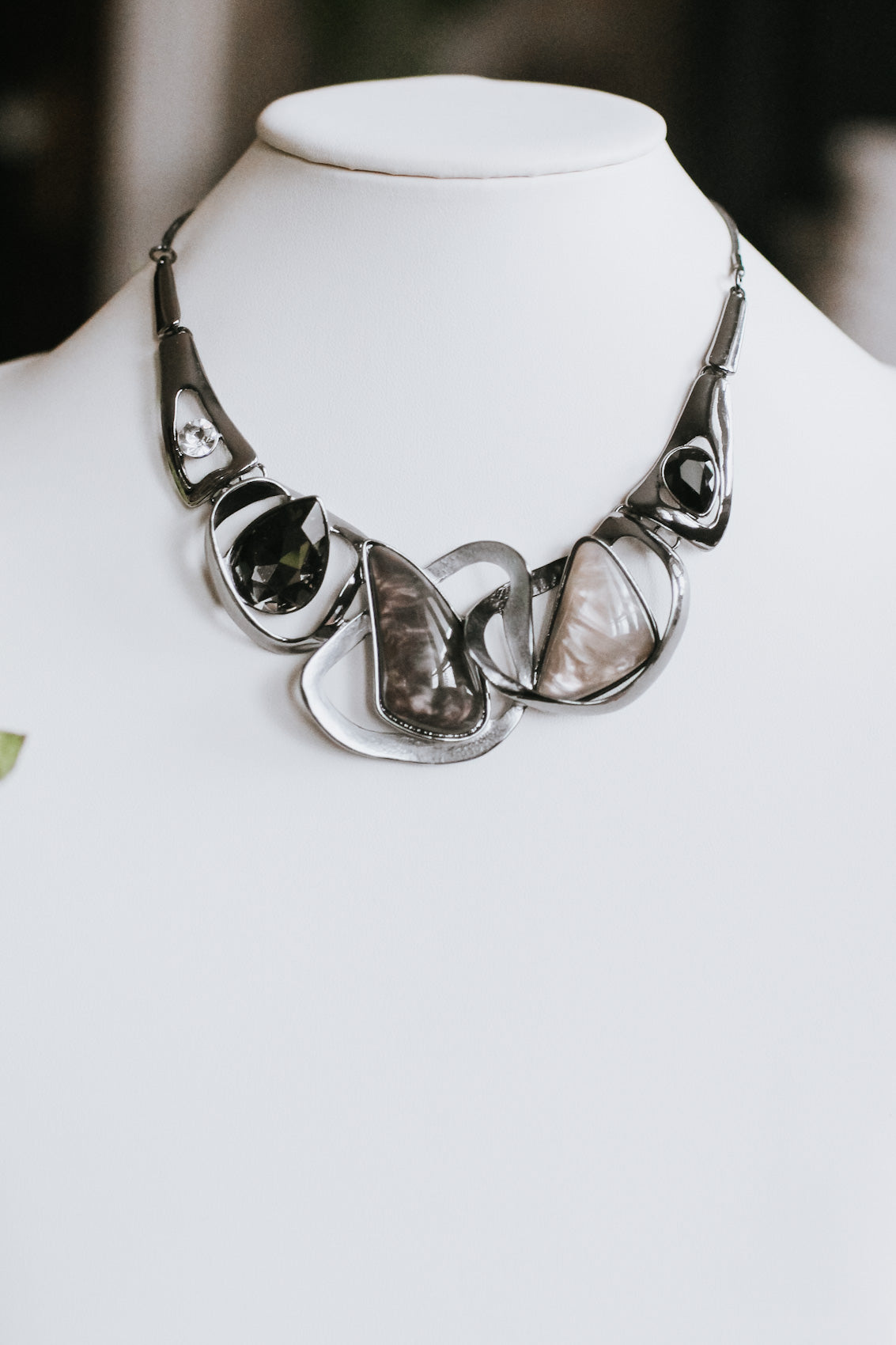 Odd Shape Rings Marble & Teardrop Necklace